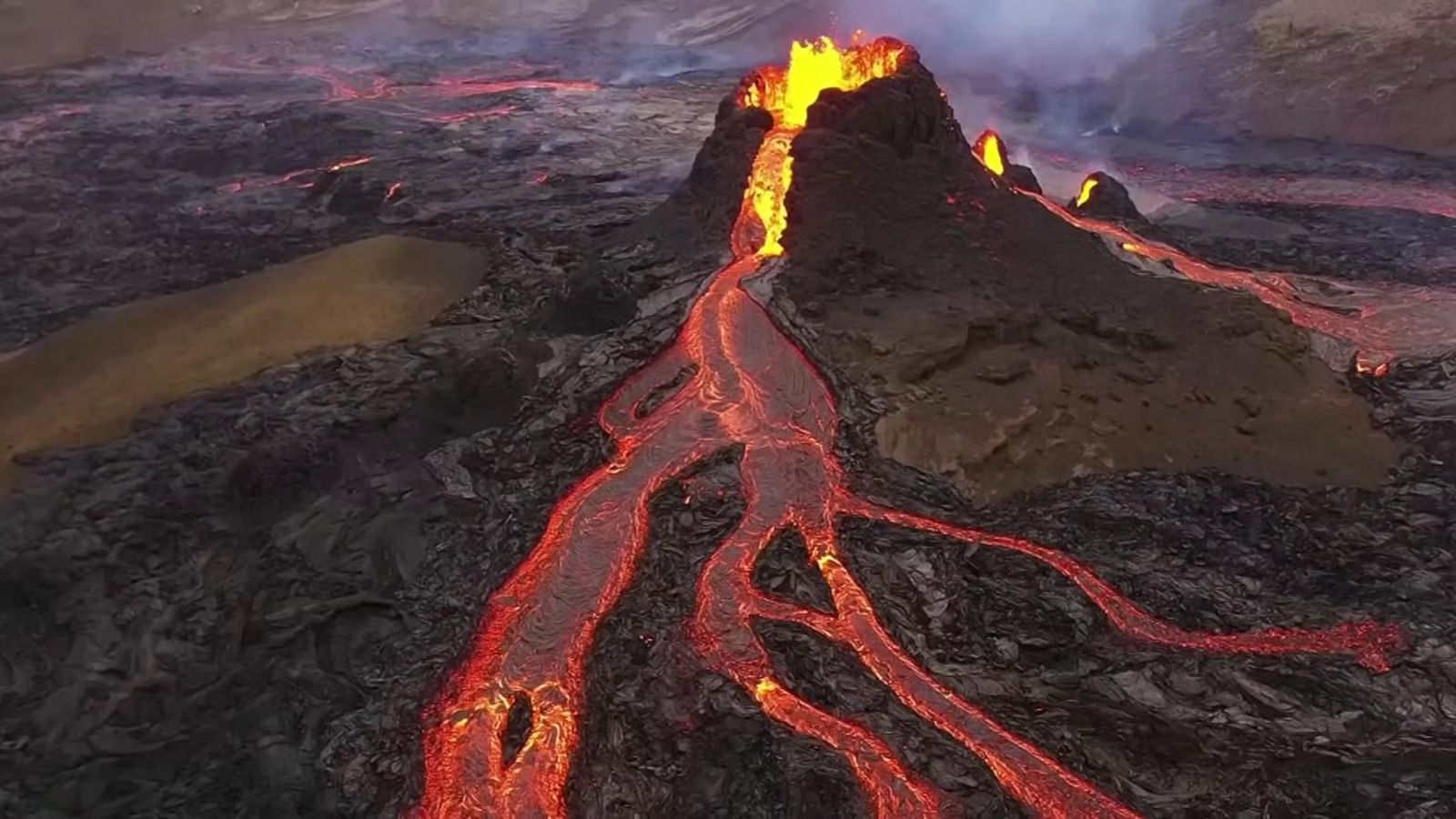 Watch the volcanic eruption in Iceland Live from your home